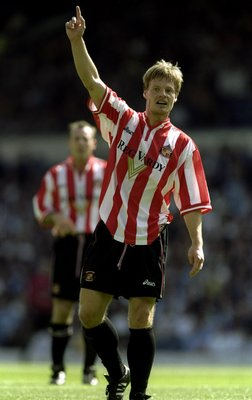 21 Aug 1999:  Stefan Schwarz of Sunderland in action during the FA Carling Premiership match against Sunderland played at Elland Road in Leeds, England. Leeds won the game 2-1. \ Mandatory Credit: Mark Thompson /Allsport
