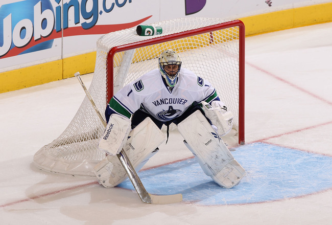 GLENDALE, AZ - MARCH 08:  Goaltender Roberto Luongo #1 of the Vancouver Canucks in action during the NHL game against the Phoenix Coyotes at Jobing.com Arena on March 8, 2011 in Glendale, Arizona. The Canucks defeated the Coyotes 4-3 in overtime.  (Photo