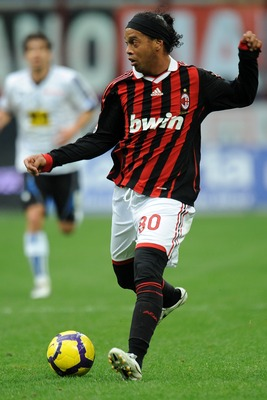 MILAN, ITALY - FEBRUARY 28:  Ronaldinho of Milan in action during the Serie A match between Milan and Atalanta at Stadio Giuseppe Meazza on February 28, 2010 in Milan, Italy.  (Photo by Tullio M. Puglia/Getty Images)