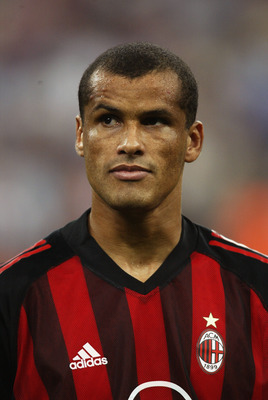 MILAN - SEPTEMBER 18:  Rivaldo of Milan lines up before the UEFA Champions League match between AC Milan and RC Lens held at the Giuseppe Meazza, San Siro Stadium in Milan on September 18, 2002 (Photo by Gary M Prior/Getty Images) AC Milan won the match 2
