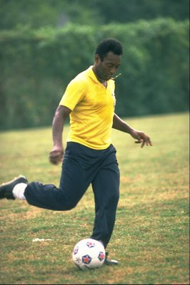 1970: Brazilian legend Pele in training. \ Mandatory Credit: Allsport UK /Allsport
