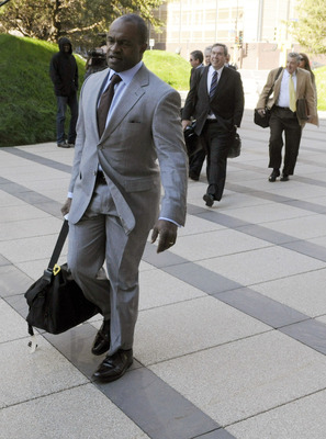 MINNEAPOLIS, MN - MAY 17: Former NFL Players Association executive director DeMaurice Smith and the NFL players' lawyers arrive for court ordered mediation at the U.S. Courthouse on May 17, 2011 in Minneapolis, Minnesota. As the NFL lockout remains in pla