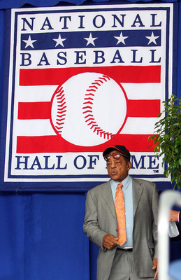 COOPERSTOWN, NY - JULY 26:  Hall of Famer Willie Mays makes his way to the stage at Clark Sports Center during the 2009 Baseball Hall of Fame induction ceremony on July 26, 2009 in Cooperstown, New York. (Photo by Jim McIsaac/Getty Images)