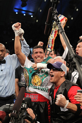 ATLANTIC CITY, NJ - NOVEMBER 20:  Sergio Martinez celebrates after knocking out Paul Williams in the second round of their Middleweight Championship fight on November 20, 2010 at The Boardwalk Hall in Atlantic City, New Jersey.  (Photo by Al Bello/Getty I