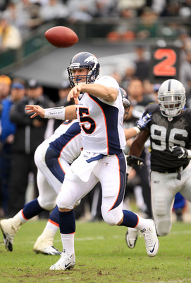 OAKLAND, CA - DECEMBER 19:  Tim Tebow #15 of the Denver Broncos in action during their game against the Oakland Raiders at Oakland-Alameda County Coliseum on December 19, 2010 in Oakland, California.  (Photo by Ezra Shaw/Getty Images)