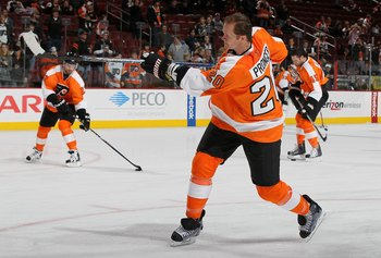 PHILADELPHIA, PA - JANUARY 20:  Chris Pronger #20 of the Philadelphia Flyers warms up before playing agauinst the Ottawa Senators on January 20, 2011 at Wells Fargo Center in Philadelphia, Pennsylvania.  (Photo by Jim McIsaac/Getty Images)