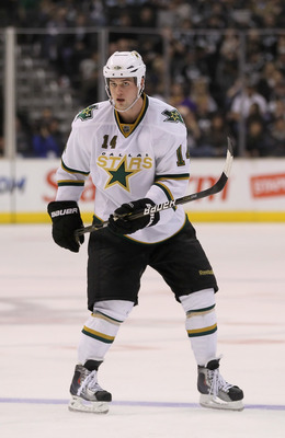 LOS ANGELES, CA - APRIL 02:  Jamie Benn #14 of the Dallas Stars skates against the Los Angeles Kings at Staples Center on April 2, 2011 in Los Angeles, California.  (Photo by Jeff Gross/Getty Images)