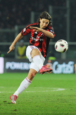 TURIN, ITALY - MARCH 05:  Zlatan Ibrahimovic of AC Milan shoots the ball during the Serie A match between Juventus FC and AC Milan at Olimpico Stadium on March 5, 2011 in Turin, Italy.  (Photo by Valerio Pennicino/Getty Images)