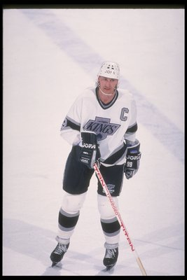 1989-1990:  Center Wayne Gretzky of the Los Angeles Kings. Mandatory Credit: Ken Levine  /Allsport