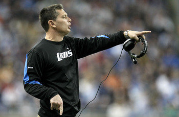 DETROIT - JANUARY 03:  Head coach Jim Schwartz of the Detroit Lions points out something from the sideline while playing the Chicago Bears on January 3, 2010 at Ford Field in Detroit, Michigan. Chicago won the game 23-37.  (Photo by Gregory Shamus/Getty I