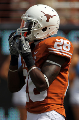 AUSTIN, TX - SEPTEMBER 25:  Running back Fozzy Whittaker #28 of the Texas Longhorns at Darrell K Royal-Texas Memorial Stadium on September 25, 2010 in Austin, Texas.  (Photo by Ronald Martinez/Getty Images)