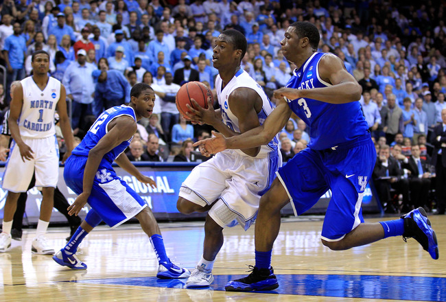 NEWARK, NJ - MARCH 27:  Harrison Barnes #40 of the North Carolina Tar Heels in action against Terrence Jones #3 of the Kentucky Wildcats during the east regional final of the 2011 NCAA men's basketball tournament at Prudential Center on March 27, 2011 in