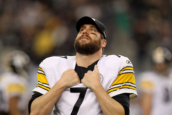 ARLINGTON, TX - FEBRUARY 06:  Quarterback Ben Roethlisberger #7 of the Pittsburgh Steelers looks on against the Green Bay Packers during Super Bowl XLV at Cowboys Stadium on February 6, 2011 in Arlington, Texas.  (Photo by Al Bello/Getty Images)