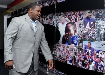 Marcelldareuschecksoutoldbillsphotos_display_image