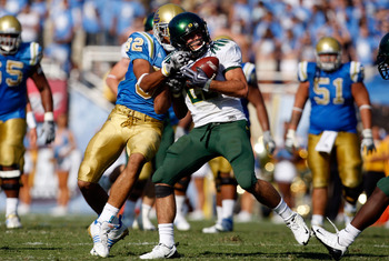 PASADENA, CA. - OCTOBER 10: John Boyett #20 of the Oregon Ducks intercepts the ball in the fourth quarter against the UCLA Bruins on October 10, 2009 at the rosebowl in Pasadena, California.  (Photo by Jacob De golish/Getty Images)