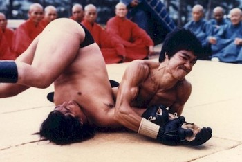 Bruce Lee Performing an Armbar/Crucifix in 1972