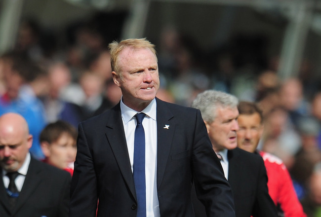 BIRMINGHAM, ENGLAND - MAY 15:  Manager Alex McLeish of Birmingham City leaves the pitch at half time during the Barclays Premier League match between Birmingham City and Fulham at St. Andrews on May 15, 2011 in Birmingham, England.  (Photo by Shaun Botter