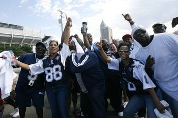 CLEVELAND - SEPTEMBER 7:  Dallas Cowboys fans tailgate before the game against the Cleveland Browns at Cleveland Browns Stadium on September 7, 2008 in Cleveland, Ohio.  (Photo by Kevin C. Cox/Getty Images)