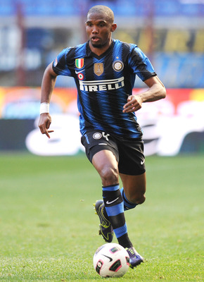 MILAN, ITALY - MARCH 20:  Samuel Eto'o of Inter Milan in action during the Serie A match between FC Internazionale Milano and Lecce at Stadio Giuseppe Meazza on March 20, 2011 in Milan, Italy.  (Photo by Tullio M. Puglia/Getty Images)