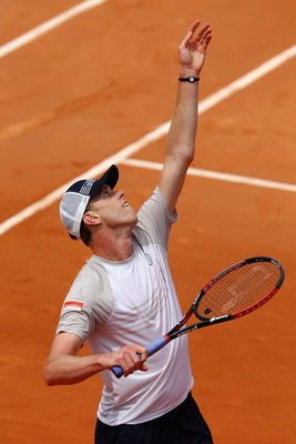 PARIS - MAY 25:  Sam Querrey of the United States serves during the men's singles first round match between Sam Querrey of the United States and Robby Ginepri of the United States at the French Open on day three of the French Open at Roland Garros on May