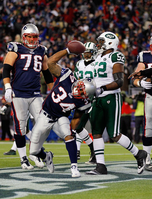 FOXBORO, MA - JANUARY 16:  Sammy Morris #34 of the New England Patriots celebrates afte a two-point conversion in the third quarter against the New York Jets during their 2011 AFC divisional playoff game at Gillette Stadium on January 16, 2011 in Foxboro,