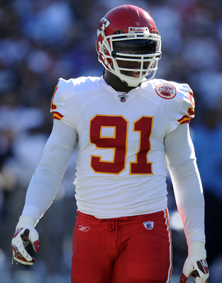 SAN DIEGO, CA - DECEMBER 12:  Tamba Hali #91 of the Kansas City Chiefs waits at the line of scrimmage against the San Diego Chargers at Qualcomm Stadium on December 12, 2010 in San Diego, California.  (Photo by Harry How/Getty Images)