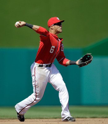 WASHINGTON, DC - APRIL 17:  Ian Desmond #6 of the Washington Nationals in action against the Milwaukee Brewers at Nationals Park on April 17, 2011 in Washington, DC.  (Photo by Rob Carr/Getty Images)