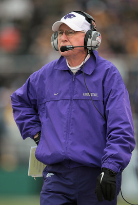 COLUMBIA, MO - NOVEMBER 13:  Head coach Bill Snyder of the Kansas State Wildcats looks on from the sidelines during the game against the Missouri Tigers on November 13, 2010 at Faurot Field/Memorial Stadium in Columbia, Missouri.  (Photo by Jamie Squire/G