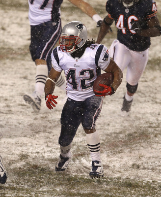CHICAGO - DECEMBER 12: Ben-Jarvus Green-Ellis #42 of the New England Patriots runs against the Chicago Bears at Soldier Field on December 12, 2010 in Chicago, Illinois. The Patriots defeated the Bears 36-7. (Photo by Jonathan Daniel/Getty Images)