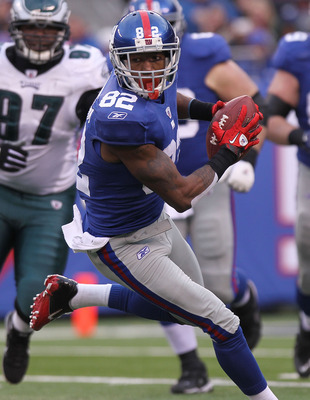 EAST RUTHERFORD, NJ - DECEMBER 19:  Mario Manningham #82 of the New York Giants  against the Philadelphia Eagles at New Meadowlands Stadium on December 19, 2010 in East Rutherford, New Jersey.  (Photo by Nick Laham/Getty Images)