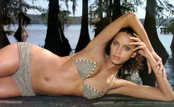 Noemie-lenoir-07_display_image