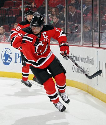 NEWARK, NJ - DECEMBER 31:  Jamie Langenbrunner #15 of the New Jersey Devils skates against the Atlanta Thrashers at the Prudential Center on December 31, 2010 in Newark, New Jersey.  (Photo by Jim McIsaac/Getty Images)