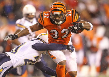 CINCINNATI - DECEMBER 26: Cedric Benson #32 of the Cincinnati Bengals runs with the ball during the NFL game against the San Diego Chargers at Paul Brown Stadium on December 26, 2010 in Cincinnati, Ohio. The Bengals 34-20.  (Photo by Andy Lyons/Getty Imag