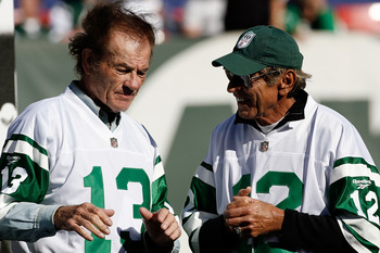 EAST RUTHERFORD, NJ - OCTOBER 26:  Former Jets quarterback Joe Namath chats with former Jets wide receiver Don Maynard (L) during halftime festivities celebrating the 40th anniversary of the Jets' win over the Colts in Super Bowl III during the game betwe