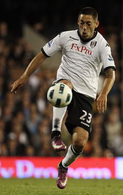 LONDON, ENGLAND - MAY 09:  Clint Dempsey of Fulham on the ball  during the Barclays Premier League match between Fulham and Liverpool at Craven Cottage on May 9, 2011 in London, England.  (Photo by Scott Heavey/Getty Images)