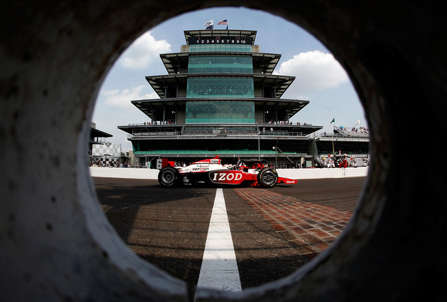INDIANAPOLIS - MAY 20:  Ryan Briscoe drives his #6 Izod Team Penske Dallara Honda during practice for the the 95th Indianapolis 500 Mile Race at the Indianapolis Motor Speedway on May 20, 2011 in Indianapolis, Indiana.  (Photo by Jonathan Ferrey/Getty Ima