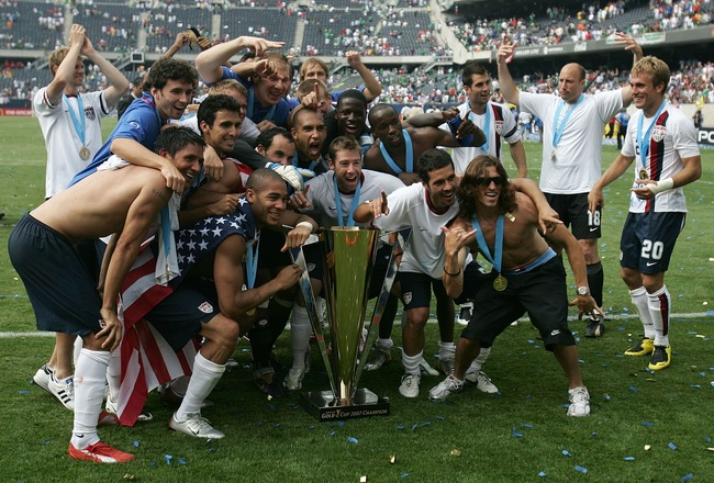 CHICAGO - JUNE 24:  Team USA celebrates with the trophy after their 2-1 win against Mexico during the CONCACAF Gold Cup Final match at Soldier Field on June 24, 2007 in Chicago, Illinois.  (Photo by Jonathan Daniel/Getty Images)