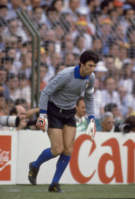 1982:  Dino Zoff of Italy during the World Cup in Spain. \ Mandatory Credit: AllsportUK  /Allsport