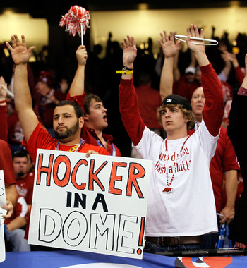 NEW ORLEANS, LA - JANUARY 04:  Arkansas Razorbacks fans cheer during the Allstate Sugar Bowl against the Ohio State Buckeyes at the Louisiana Superdome on January 4, 2011 in New Orleans, Louisiana.  (Photo by Kevin C. Cox/Getty Images)