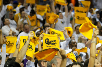 MEMPHIS, TN - MAY 13:  Memphis Grizzlies fans cheer against the Oklahoma City Thunder in Game Six of the Western Conference Semifinals in the 2011 NBA Playoffs at FedExForum on May 13, 2011 in Memphis, Tennessee.  NOTE TO USER: User expressly acknowledges