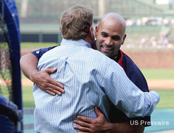 Pujols_hendry_hug_display_image