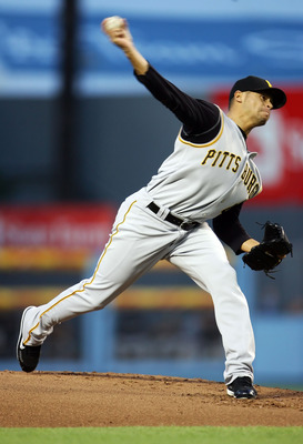 LOS ANGELES - APRIL 21:  Ian Snell #45 of the Pittsburgh Pirates throws a pitch in the first inning against the Los Angeles Dodgers at Dodger Stadium on April 21, 2007 in Los Angeles, California.  (Photo by Jeff Gross/Getty Images)