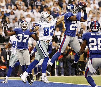 #83 Terry Glenn and #25 R.W McQuarters in the 2007 NFC Divisional Playoffs