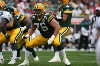 GREEN BAY, WI - SEPTEMBER 09: Chad Clifton #76 of the Green Bay Packers prepares to block against the Philadelphia Eagles on September 9, 2007 at Lambeau Field in Green Bay, Wisconsin. The Packers defeated the Eagles 16-13. (Photo by Jonathan Daniel/Getty