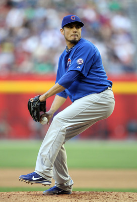 PHOENIX, AZ - APRIL 30:  Starting pitcher Matt Garza #17 of the Chicago Cubs pitches against the Arizona Diamondbacks during the Major League Baseball game at Chase Field on April 30, 2011 in Phoenix, Arizona.  (Photo by Christian Petersen/Getty Images)