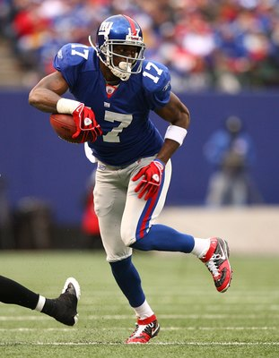 EAST RUTHERFORD, NJ - NOVEMBER 16:  Plaxico Burress #17 of the New York Giants in action against the Baltimore Ravens during their game on November 16, 2008 at Giants Stadium in East Rutherford, New Jersey.  (Photo by Al Bello/Getty Images)