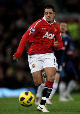 MANCHESTER, ENGLAND - JANUARY 04:  Javier Hernandez of Manchester United in action during the Barclays Premier League match between Manchester United and Stoke City at Old Trafford on January 4, 2011 in Manchester, England.  (Photo by Clive Brunskill/Gett