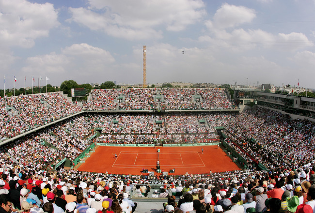 PARIS - JUNE 10:  A general view as Roger Federer of Switzerland plays Rafael Nadal of Spain in the Men's Singles Final on day fifteen of the French Open at Roland Garros on June 10, 2007 in Paris, France.  (Photo by Clive Rose/Getty Images)