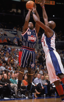 25 Nov 2001:  Forward Glen Rice #41 of the Houston Rockets shoots a jump shot during the NBA game against the Los Angeles Clippers at the Staples Center in Los Angeles, California.  The Clippers defeated the Rockets 90-83. NOTE TO USER:  User expressly ac