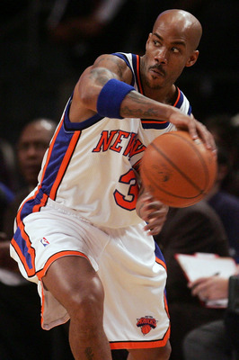 NEW YORK - NOVEMBER 24:  Stephon Marbury #3 of the New York Knicks passes against the Chicago Bulls on November 24, 2007 at Madison Square Garden in New York City. NOTE TO USER: User expressly acknowledges and agrees that, by downloading and/or using this